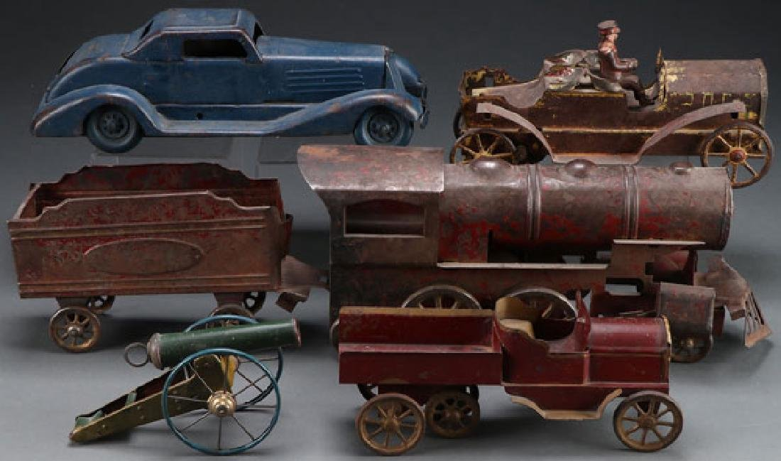 A GROUP OF VINTAGE CAST IRON TOYS, EARLY 20TH C