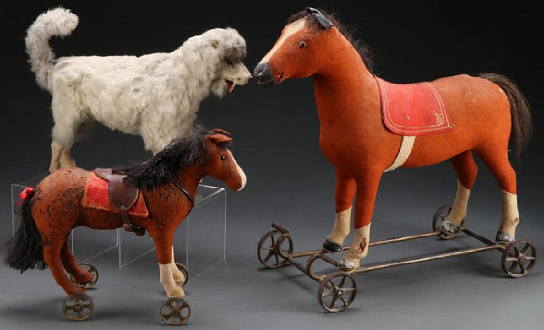 THREE VINTAGE ANIMAL PULL TOYS, EARLY 20TH C