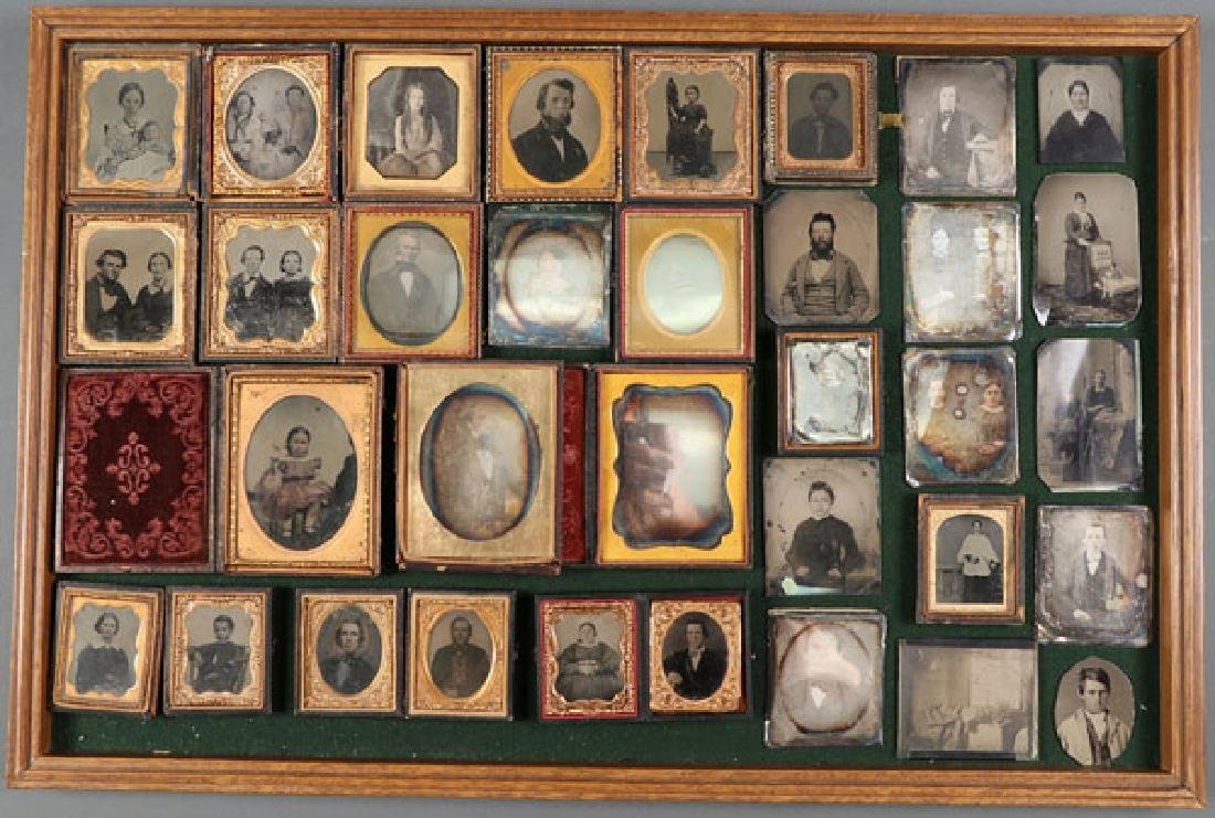 A GROUP OF 34 VINTAGE PHOTOGRAPHIC IMAGES