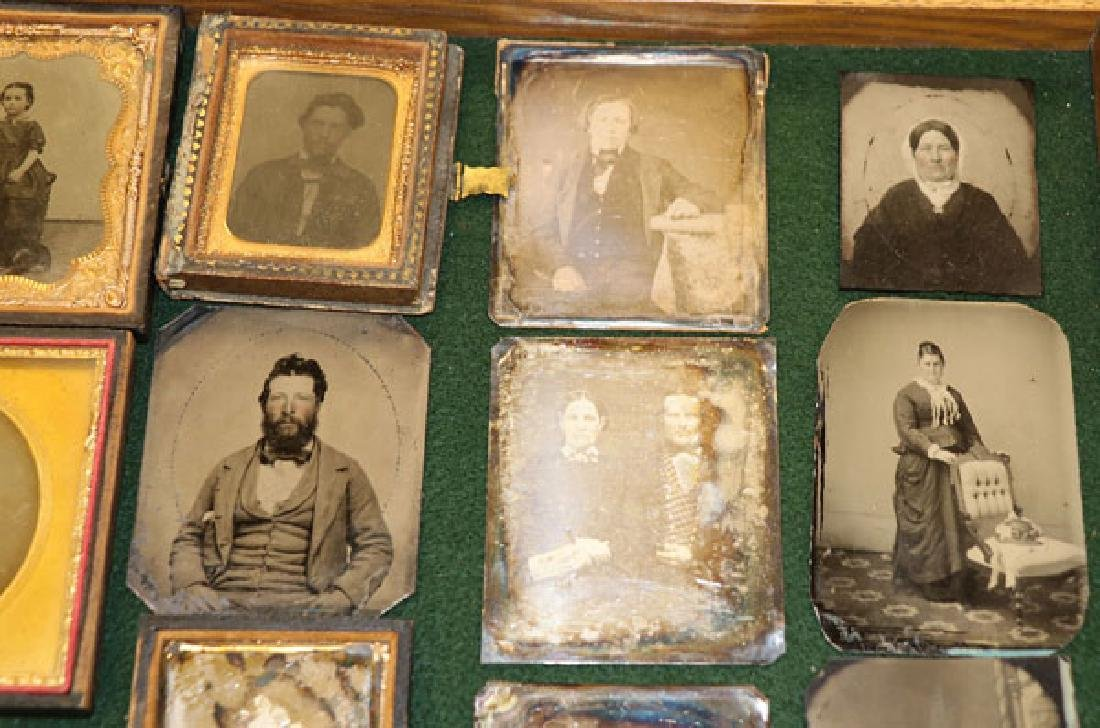 A GROUP OF 34 VINTAGE PHOTOGRAPHIC IMAGES - 6
