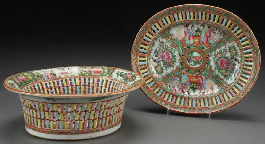 CHINESE ROSE MEDALLION FRUIT BOWL & PLATE