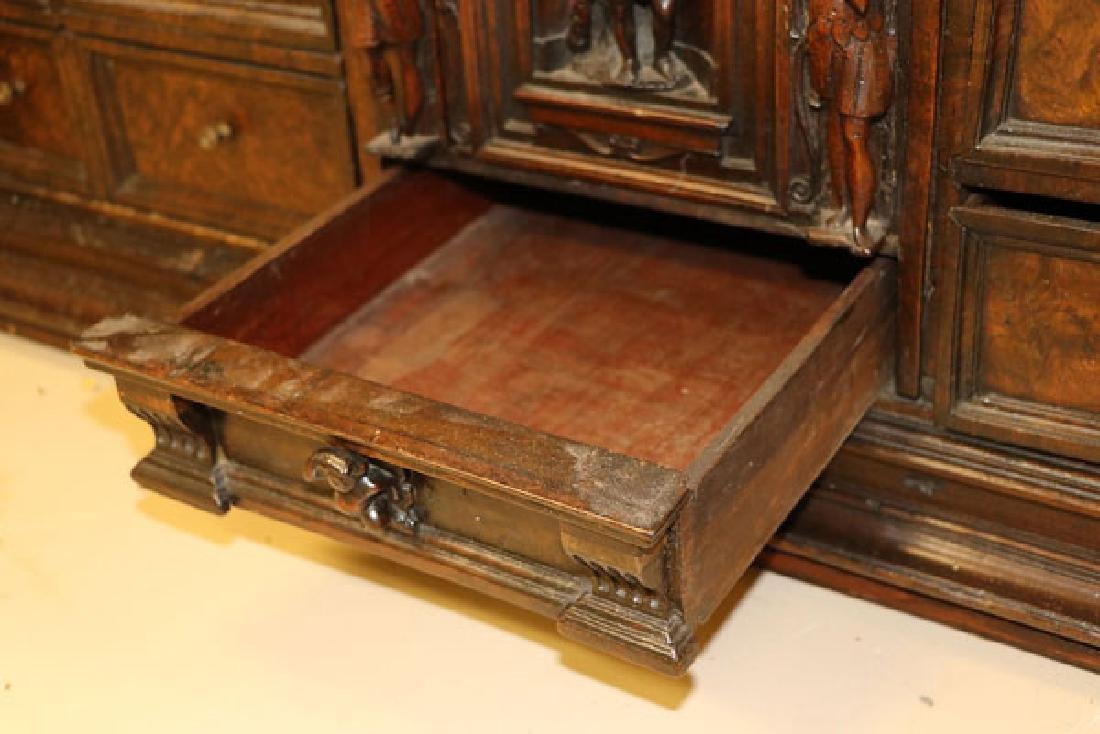 AN ITALIAN FIGURAL CARVED WOOD BAMBOCCI CABINET - 6
