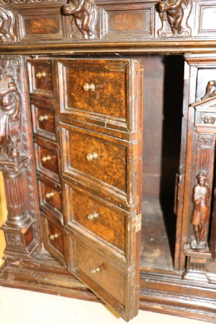 AN ITALIAN FIGURAL CARVED WOOD BAMBOCCI CABINET - 9