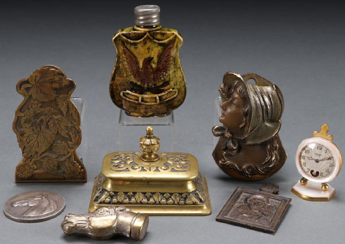 A GROUP OF 19TH AND 20TH CENTURY DECORATIVE ARTS
