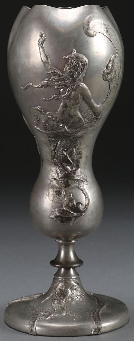 AN ART NOUVEAU PEWTER VASE, LATE 19TH CENTURY