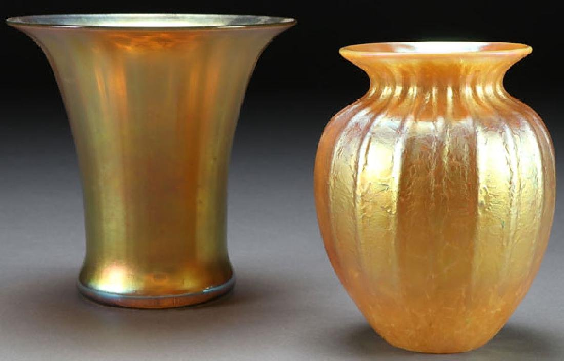 A PAIR OF CONTEMPORARY ART GLASS VASES, 20TH C.