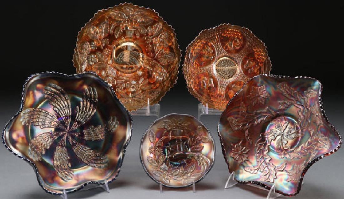 A FIVE PIECE GROUP OF CARNIVAL GLASS, CIRCA 1930S