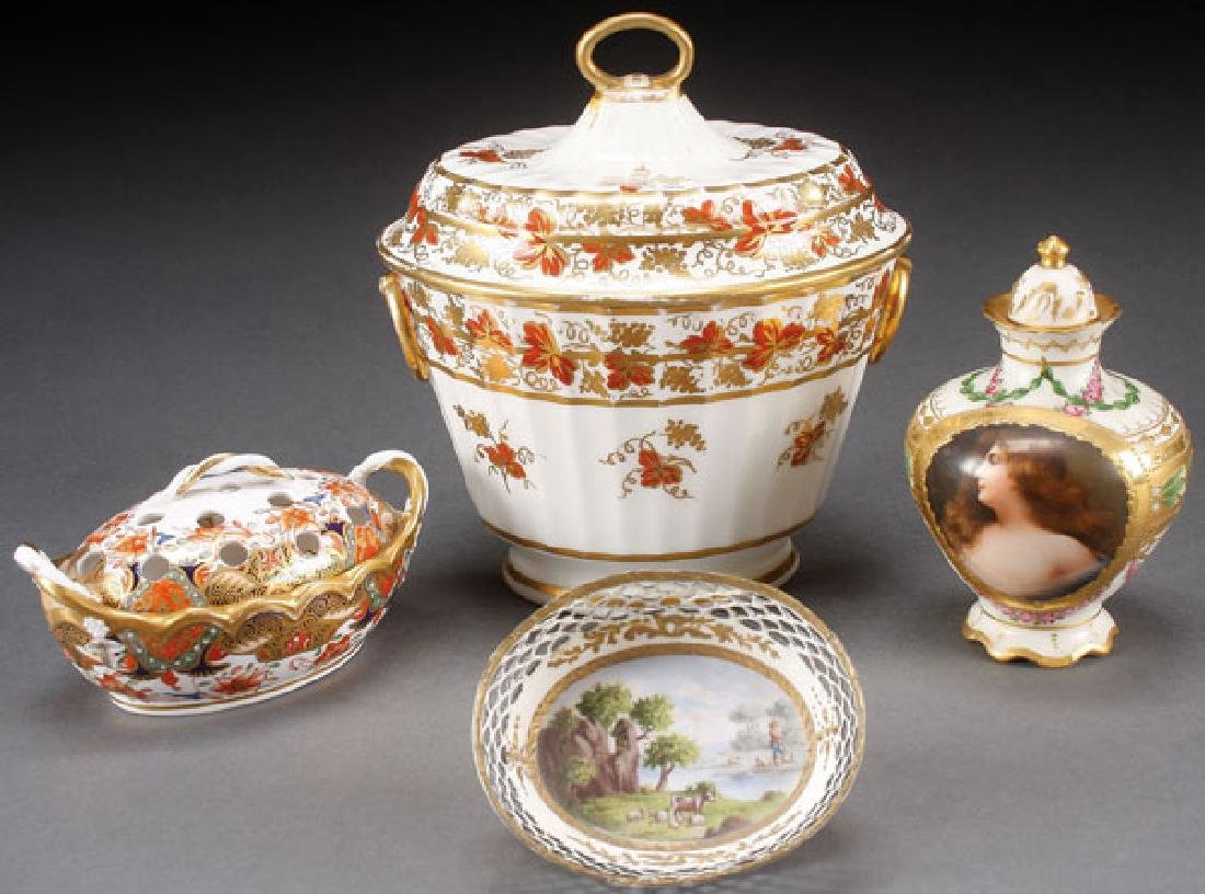 A FOUR PIECE PORCELAIN AND ENAMELED WARE GROUP