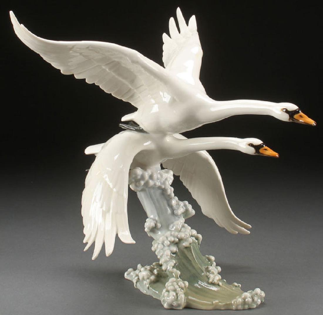 A GERMAN HUTCHENREUTHER PORCELAIN FIGURE OF GEESE