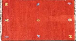 A SOUTH PERSIAN GABBEH HAND WOVEN ORIENTAL RUG