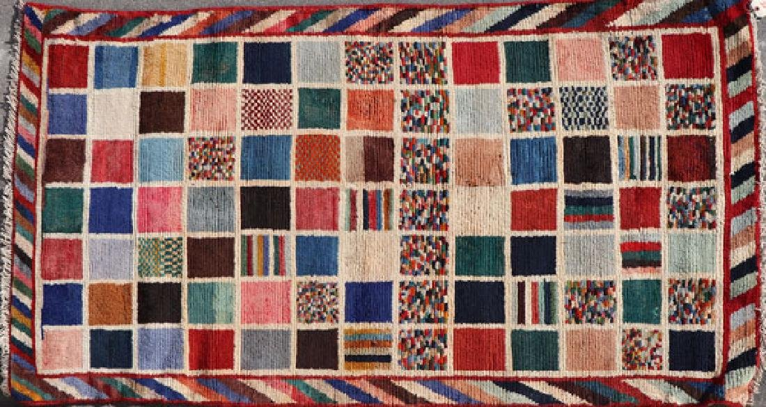 A SOUTH PERSIAN GABBEH HAND WOVEN ORIENTAL RUG