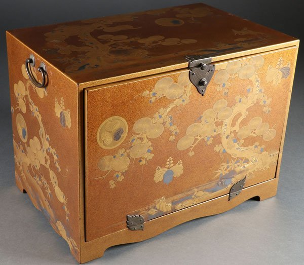 A FINE JAPANESE GOLD LACQUERED MINIATURE CHEST