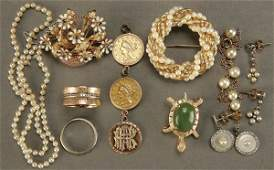 361 A FINE GOLD JEWELRY GROUPING early to late 20th