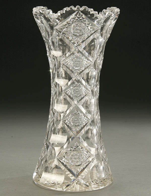 931: HAWKES QUEENS PATTERN BRILLIANT CUT GLASS VASE AM
