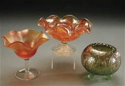 1116: A 3-PIECE CARNIVAL GLASS GROUPING including a Wes