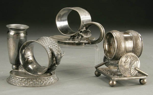 1487: A PAIR OF VICTORIAN SILVER PLATE NAPKIN RINGS by