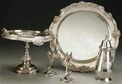1544: A 5-PIECE GROUP OF ELEGANT SILVERED TABLE ARTICLE