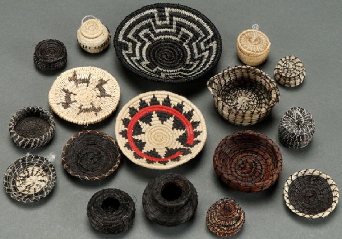 17 MINIATURE WOVEN HORSEHAIR BASKETS, 20TH C