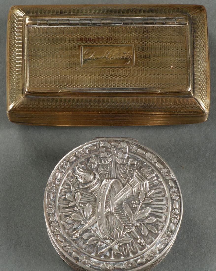 A GEORGIAN SILVER GILT SNUFF BOX