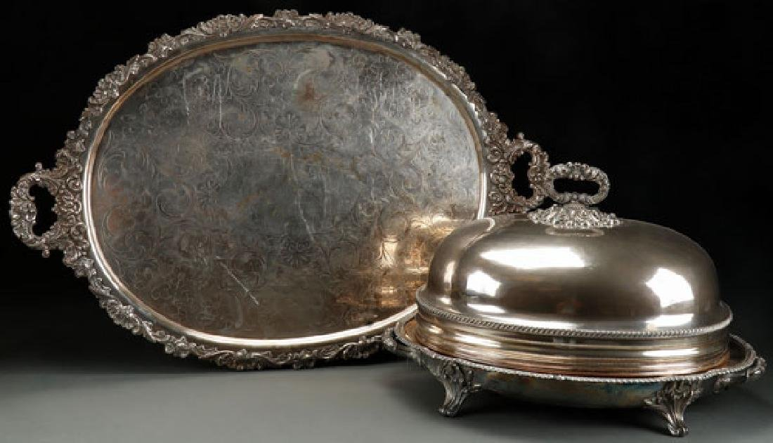 A LARGE GEORGIAN SHEFFIELD PLATE COVERED SERVING