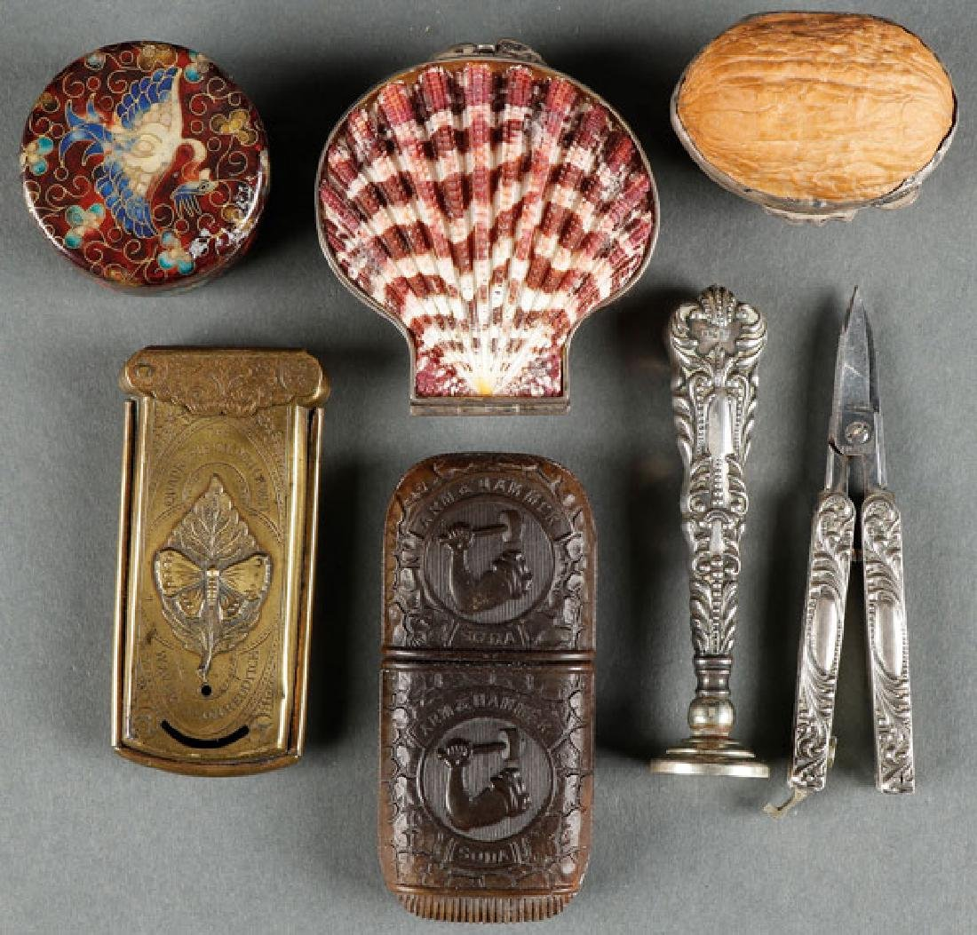 A SEVEN PIECE GROUP OF DECORATIVE ARTS