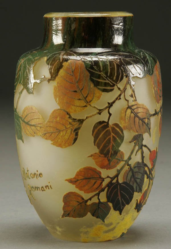 694: AN ANTONIO ROMANI CAMEO GLASS VASE 20th century;
