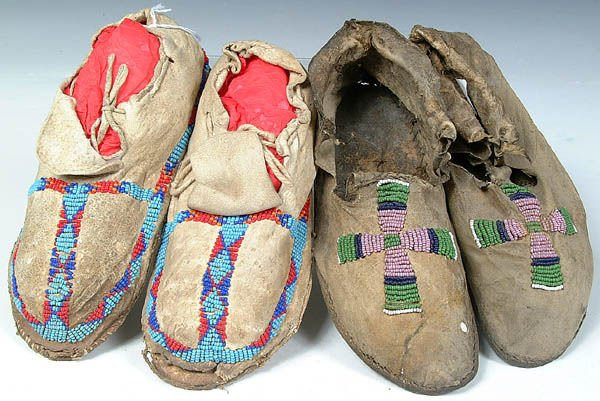 22: TWO PAIR OF CHILDRENS BEADED MOCCASINS, Arapahoe