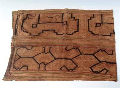 324: A SHIPIBO HAND LOOM SKIRT (AMAZONIAN/PERU).