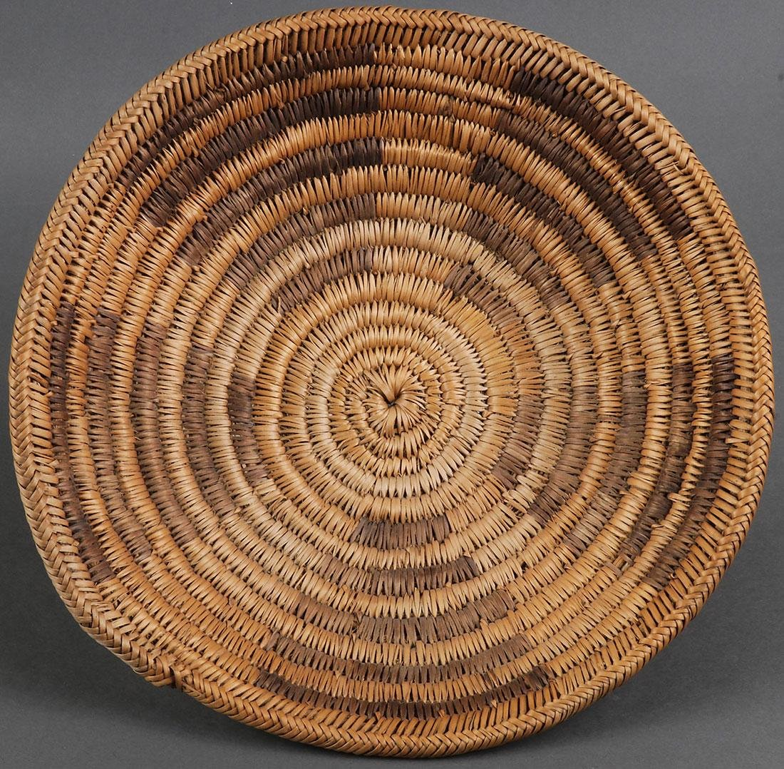 A GROUP OF THREE NAVAJO BASKETS, CIRCA 1900 - 4