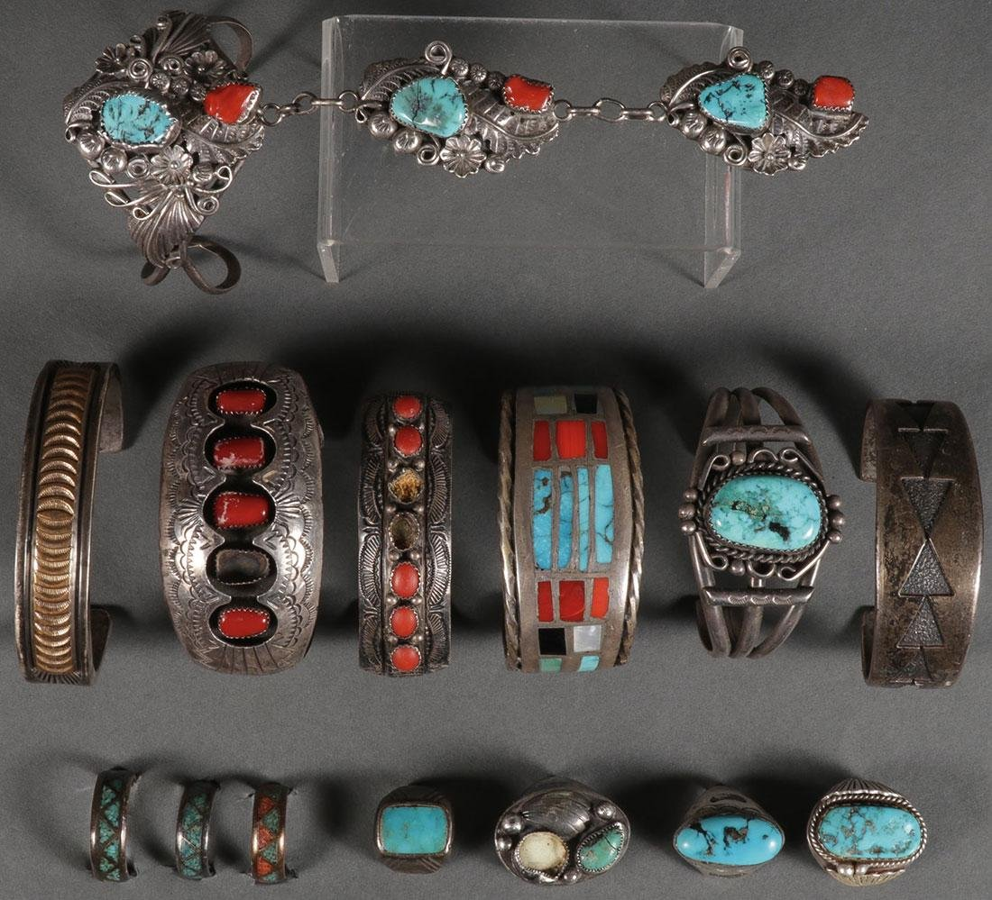 A GROUP OF 14 SOUTHWEST SILVER & TURQUOIS JEWELRY