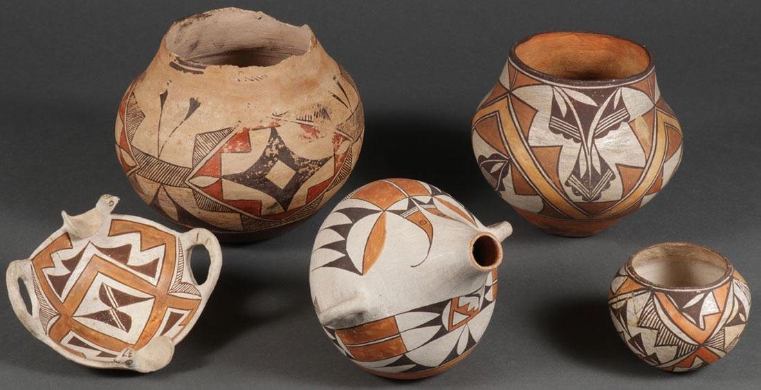 A GROUP OF 5 SOUTHWEST POLYCHROME POTTERY PIECES