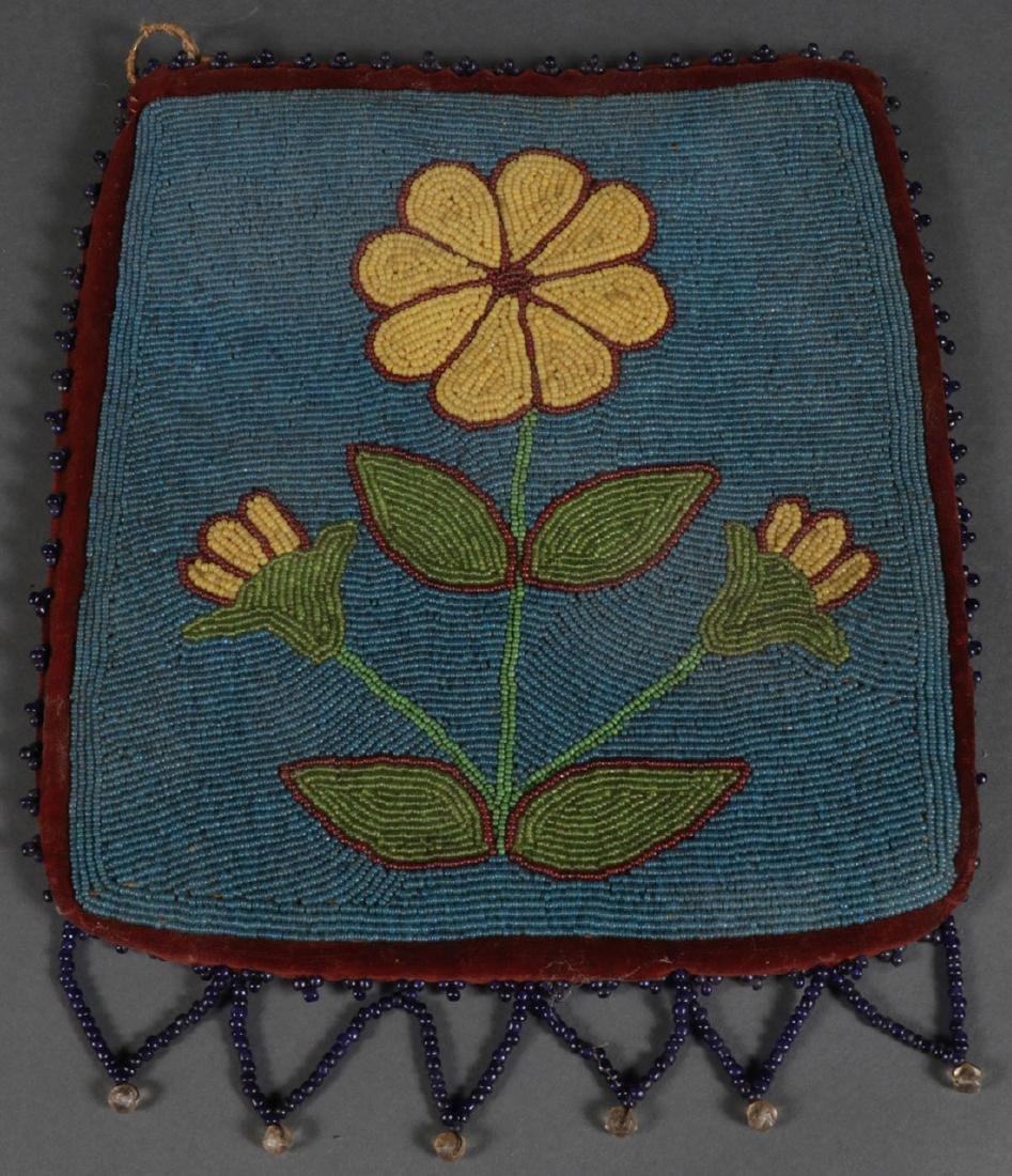 A FINE PLATEAU BEADED BAG, CIRCA 1900