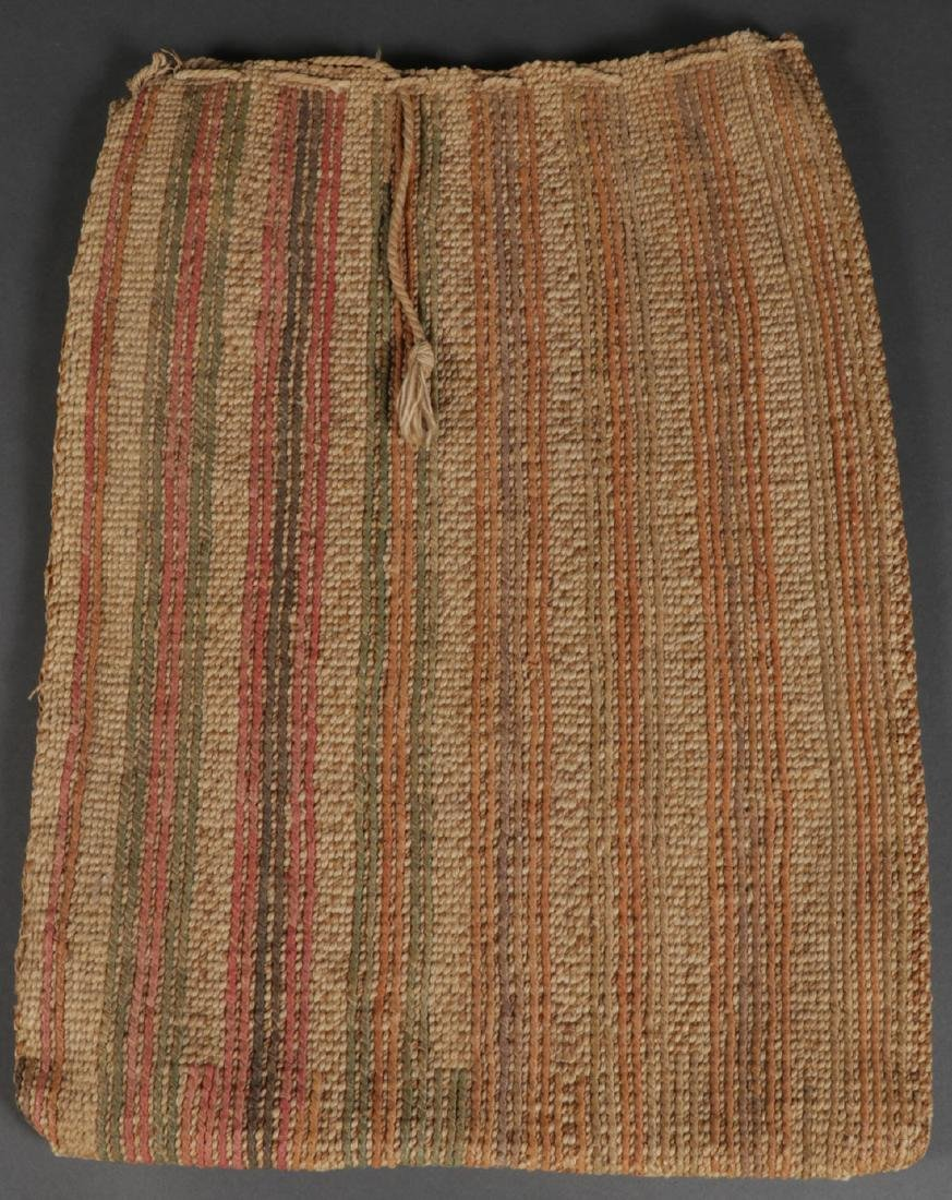 A CORN HUSK TWINE BAG, 20TH CENTURY
