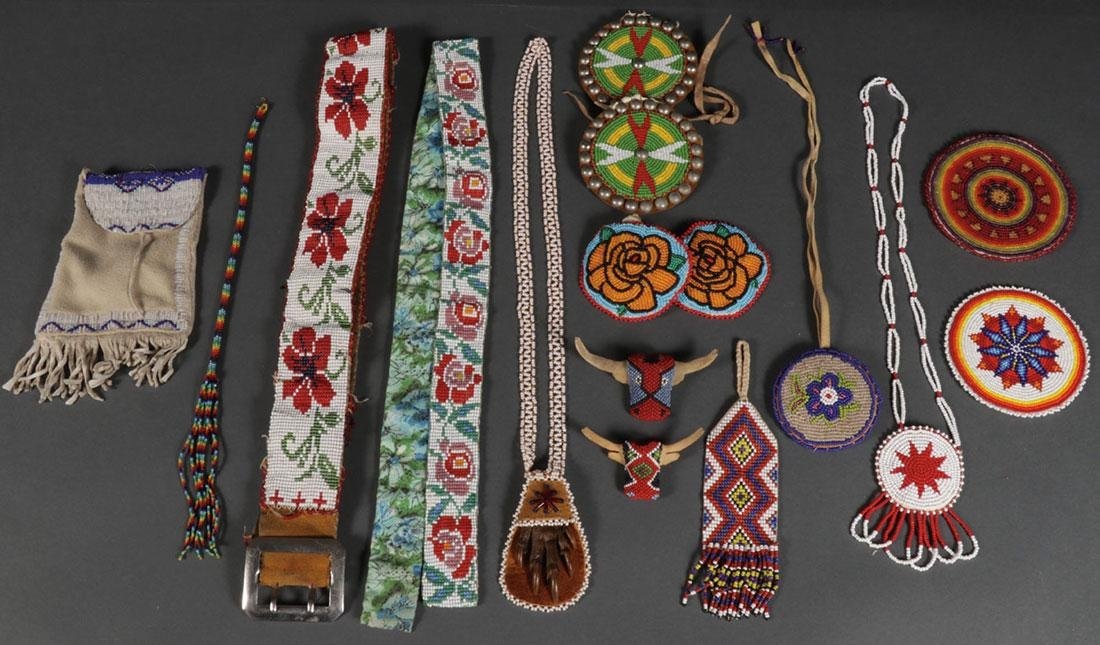 NATIVE AMERICAN BEADED AND STONE OBJECTS