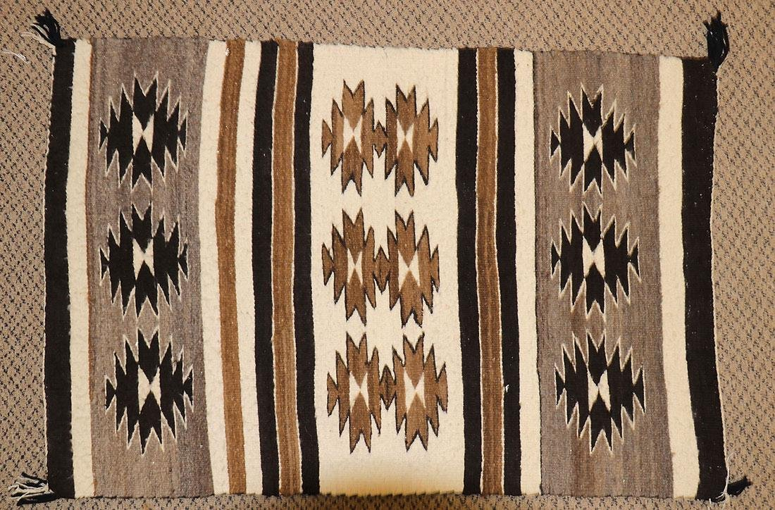 A GROUP OF EIGHT NAVAJO RUGS, 1960'S AND LATER - 11
