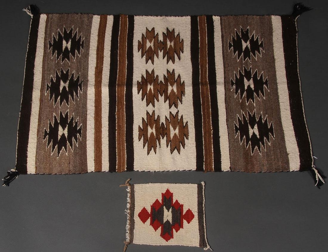 A GROUP OF EIGHT NAVAJO RUGS, 1960'S AND LATER - 3