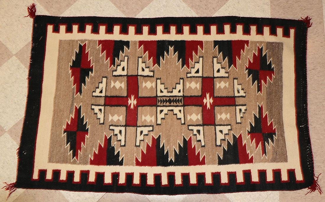 A GROUP OF EIGHT NAVAJO RUGS, 1960'S AND LATER - 4