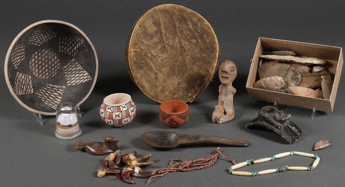 OVER TWO DOZEN NATIVE AMERICAN RELATED OBJECTS