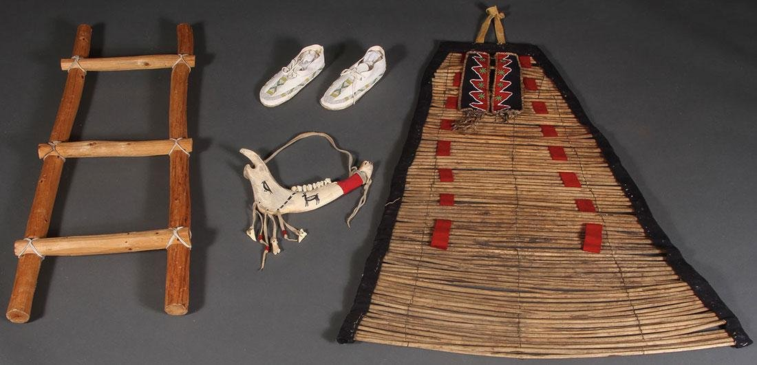 A GROUP OF NATIVE AMERICAN RELATED ITEMS