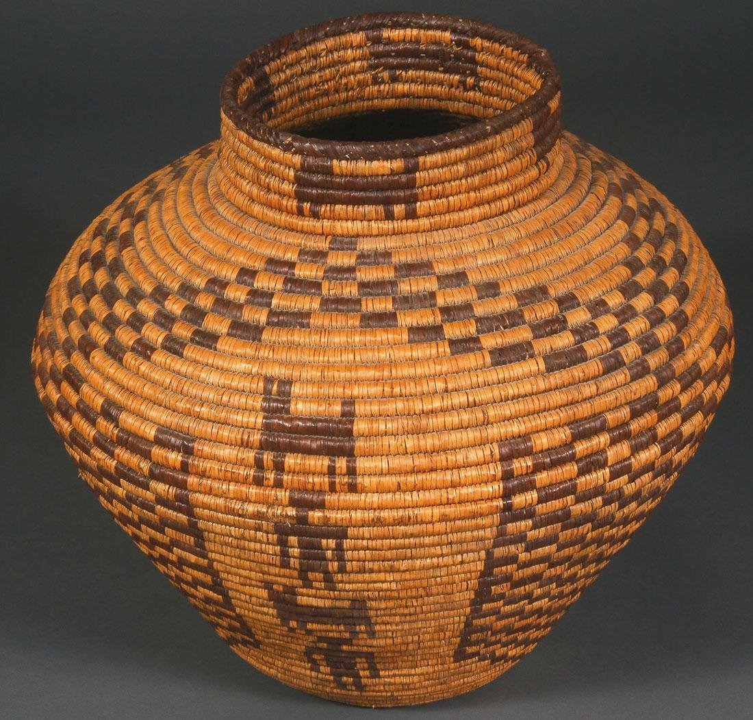 A LARGE AND IMPRESSIVE APACHE STYLE OLLA