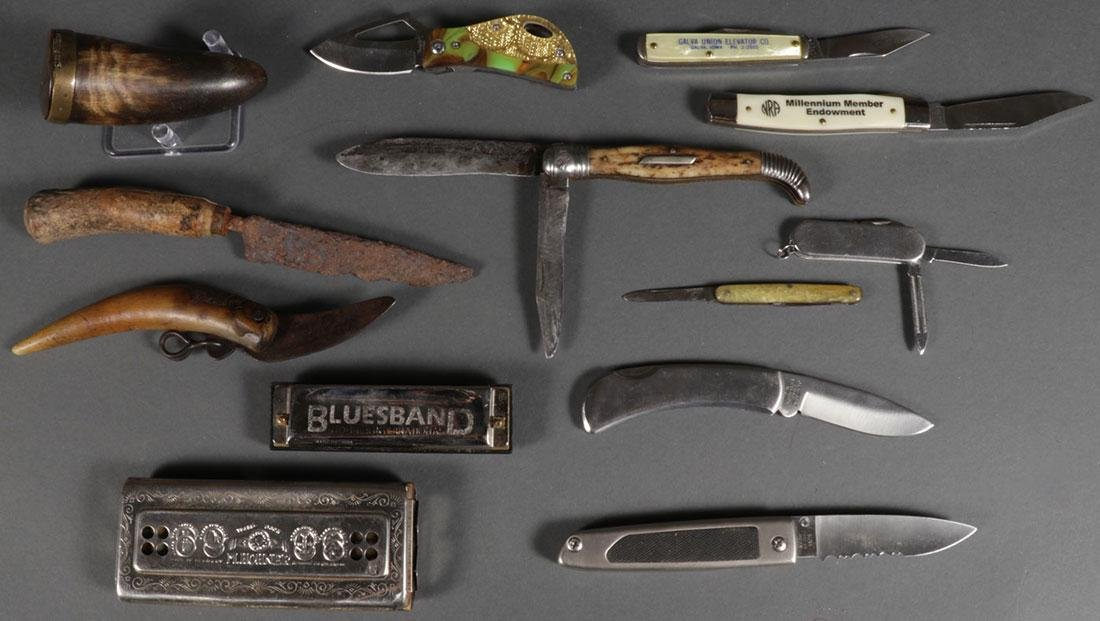 A GROUP OF KNIVES AND SCRIMSHAW