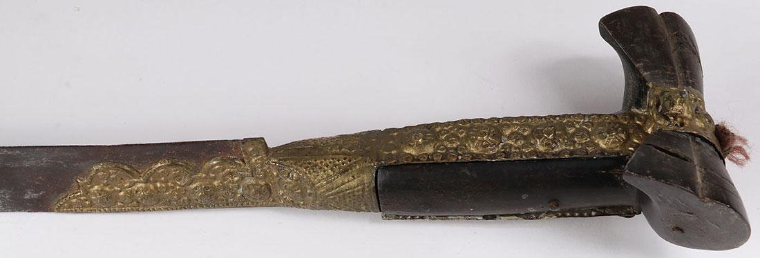 A GROUP OF SEVEN EDGED WEAPONS, 19TH CENTURY - 2