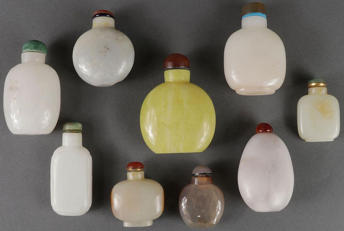 SEVENTEEN CHINESE CARVED SNUFF BOTTLES - 3