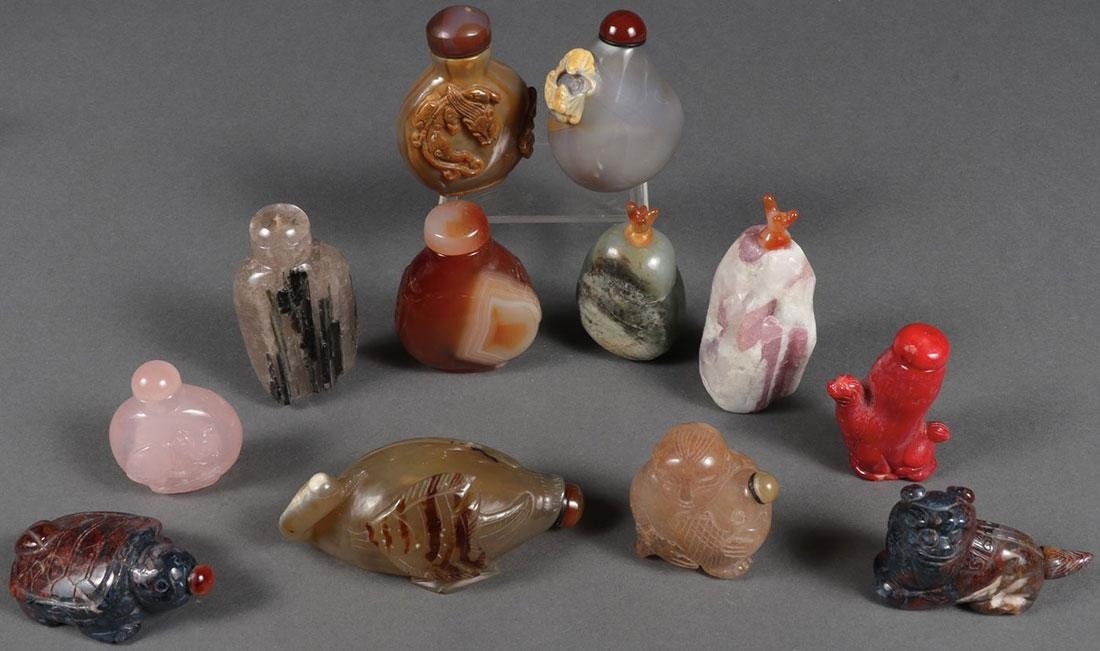 12 CHINESE SNUFF BOTTLES INCLUDING CORAL