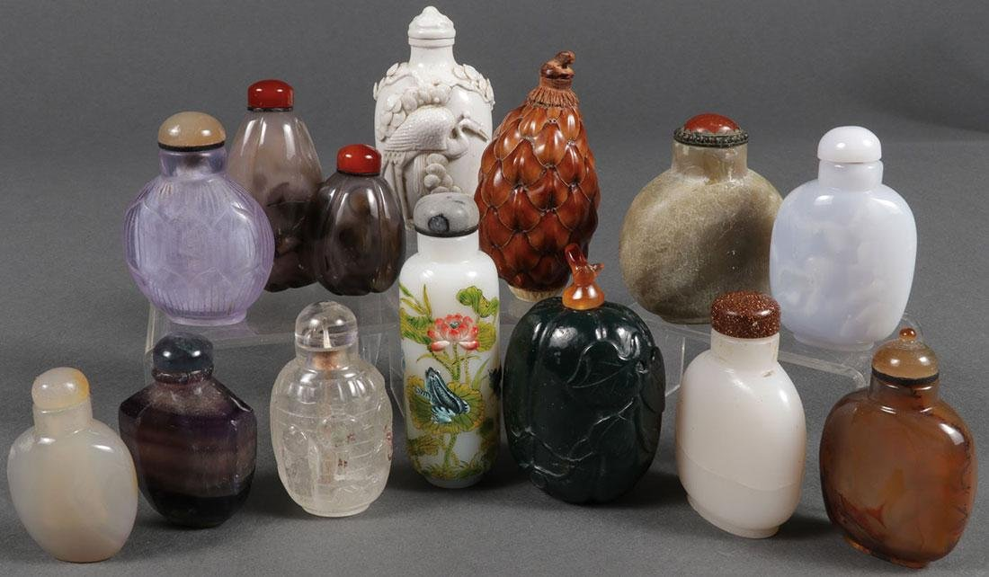 THIRTEEN CHINESE CARVED SNUFF BOTTLES