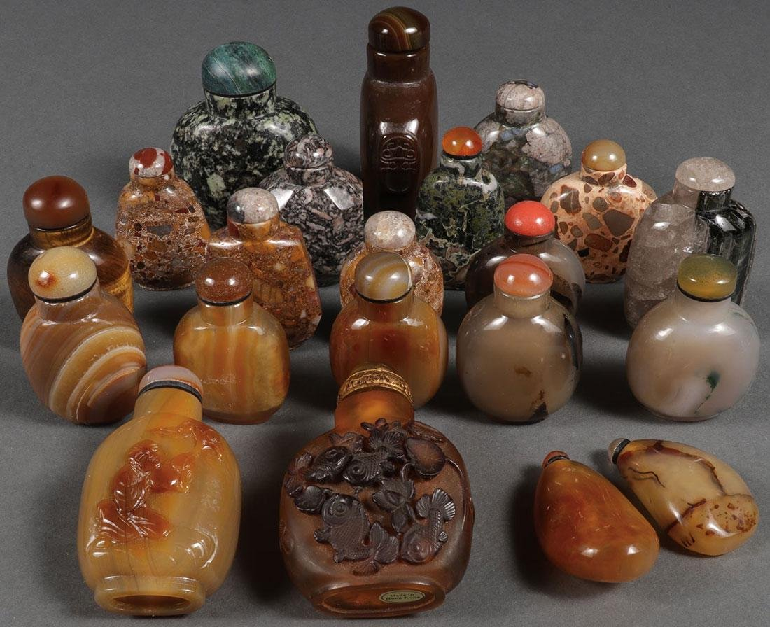 TWENTY-ONE CHINESE CARVED SNUFF BOTTLES