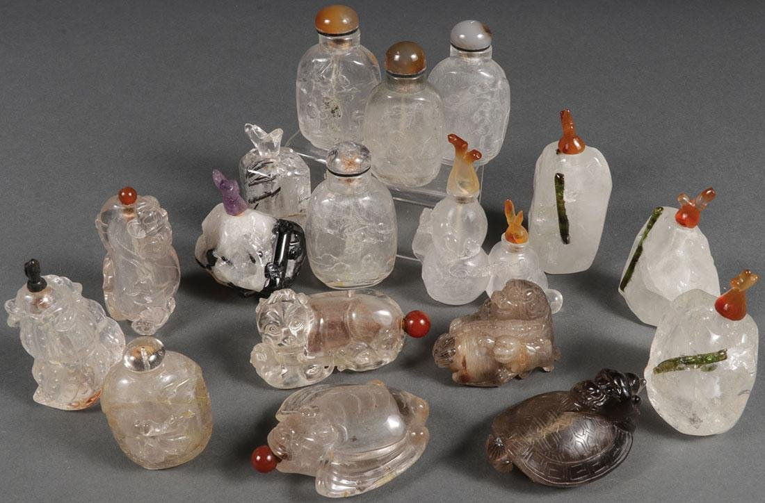 SEVENTEEN CHINESE CARVED SNUFF BOTTLES
