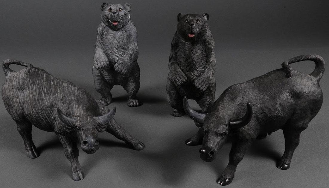 2 PAIRS OF CHINESE CARVED HARDSTONE BEARS & OXEN