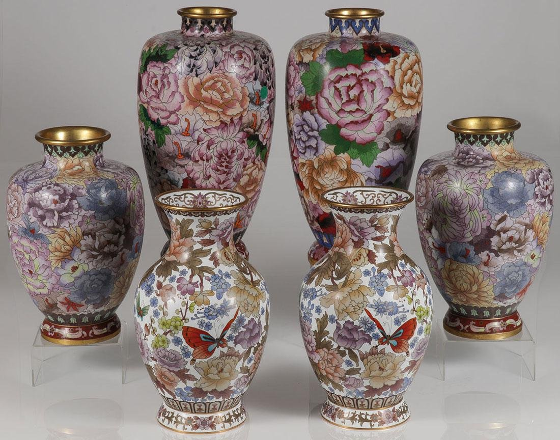 3 PAIRS OF CHINESE CLOISONNÉ GILT ENAMEL VASES