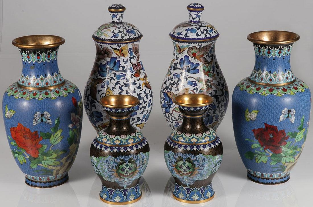 3 CHINESE CLOISONNÉ ENAMEL AND GILT BRONZE ITEMS